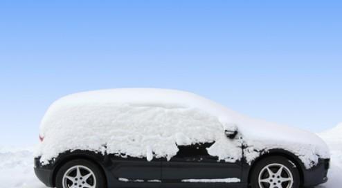 Eis-und-Schnee-am-Auto